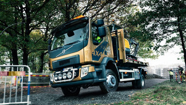 The four-wheel drive Volvo FL