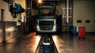 Volvo service contracts