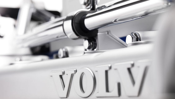 A close up of the Volvo D13 Euro-6 engine