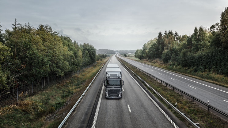 Volvo FH with I-Save driving on a highway