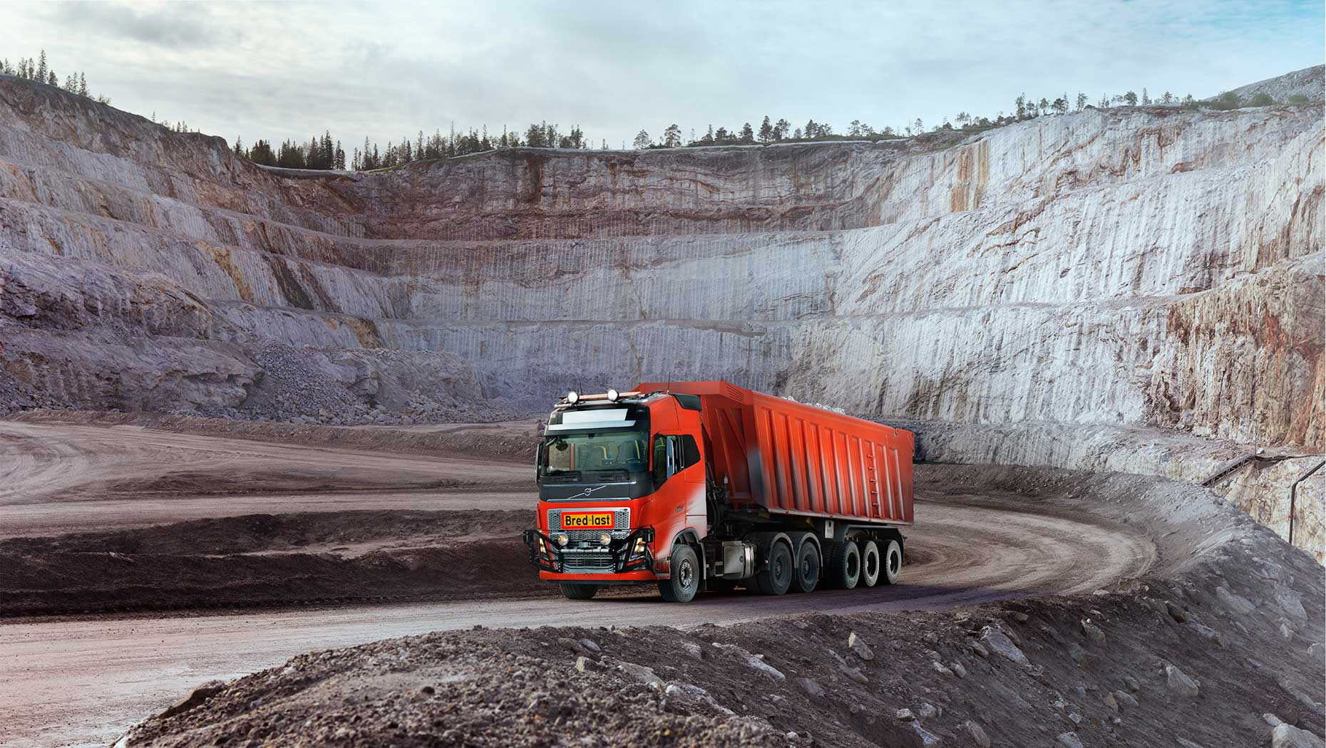 Volvo Trucks' first autonomous solution in real time operation.