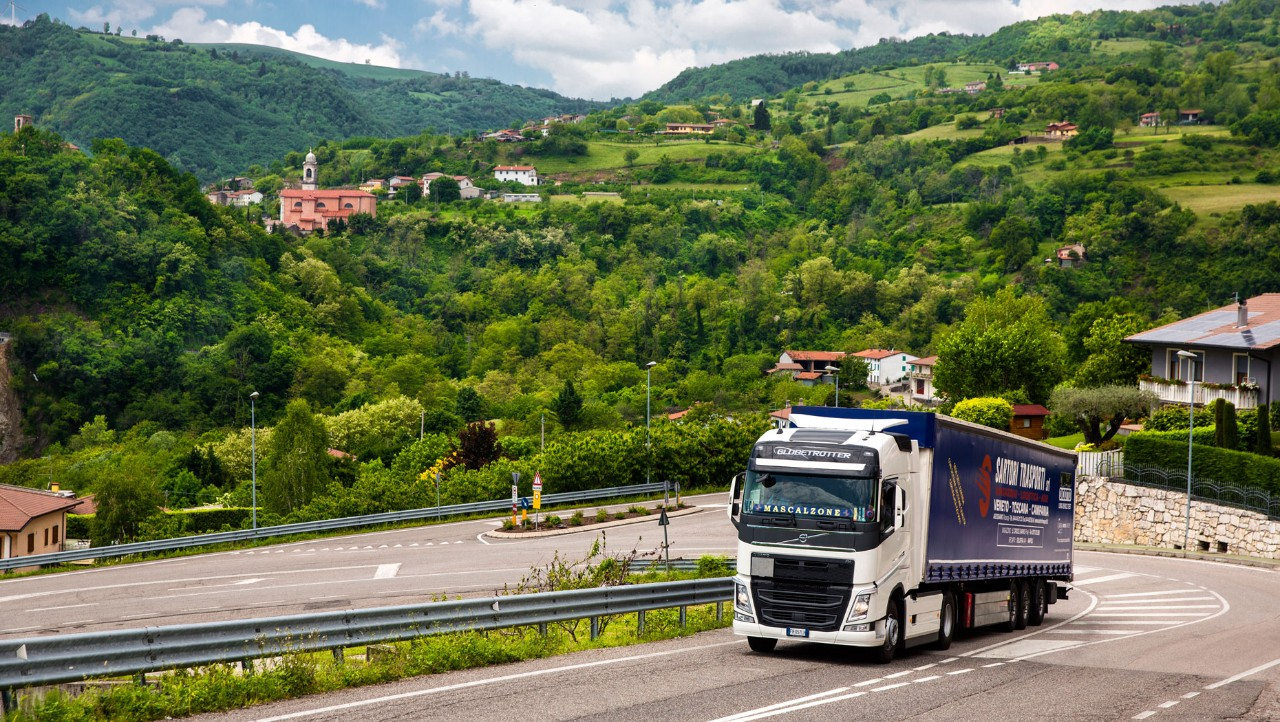 Sartori Trasporti has noticed considerable fuel savings using I-Shift Dual Clutch