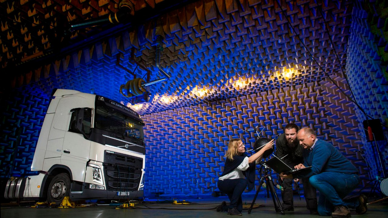 NVH engineers in Volvo Trucks' Noise & Vibration Laboratory.