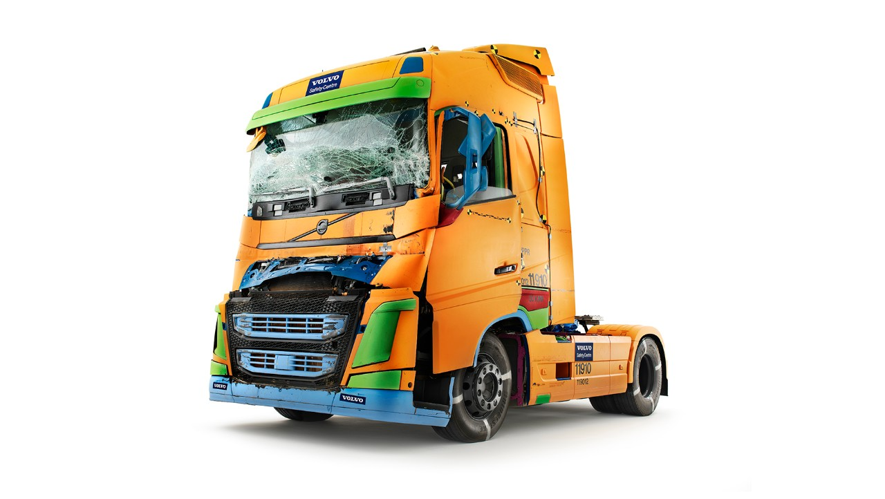 A collisiontested Volvo FH cab