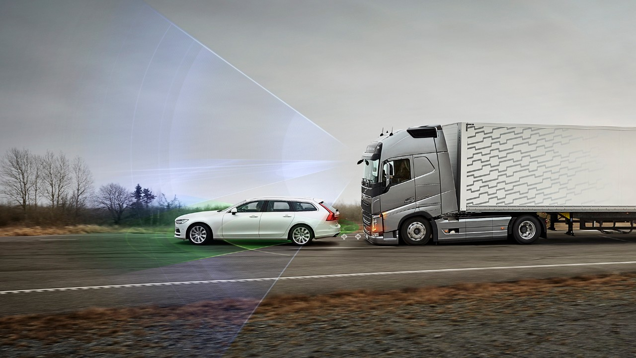 Volvo FH with camera and radar to detect objects in front