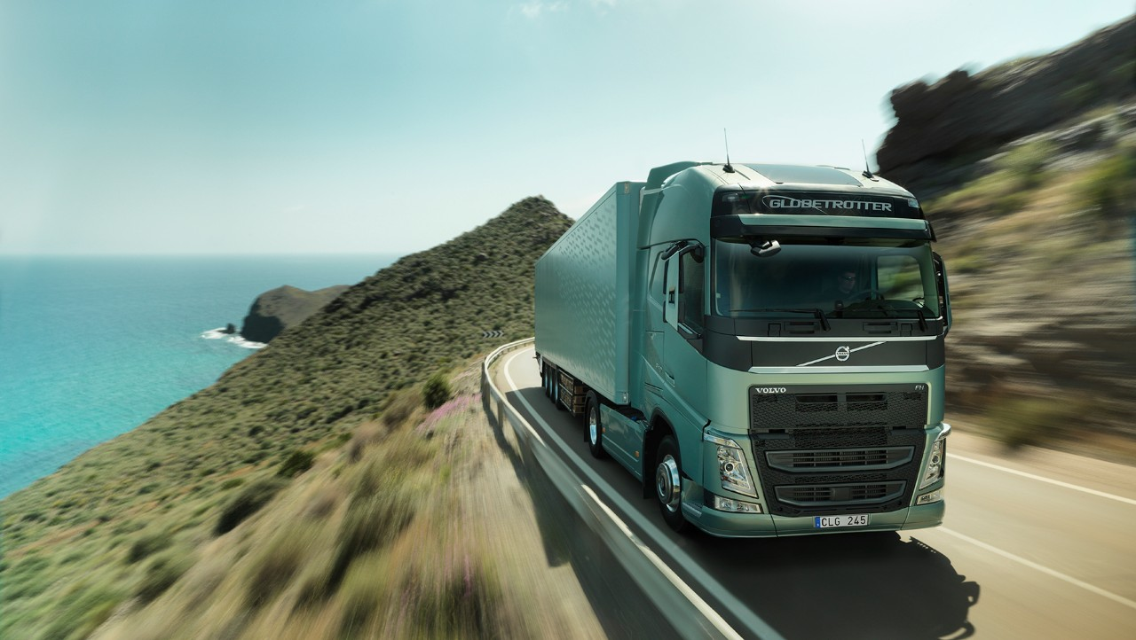 Volvo FH driving fast