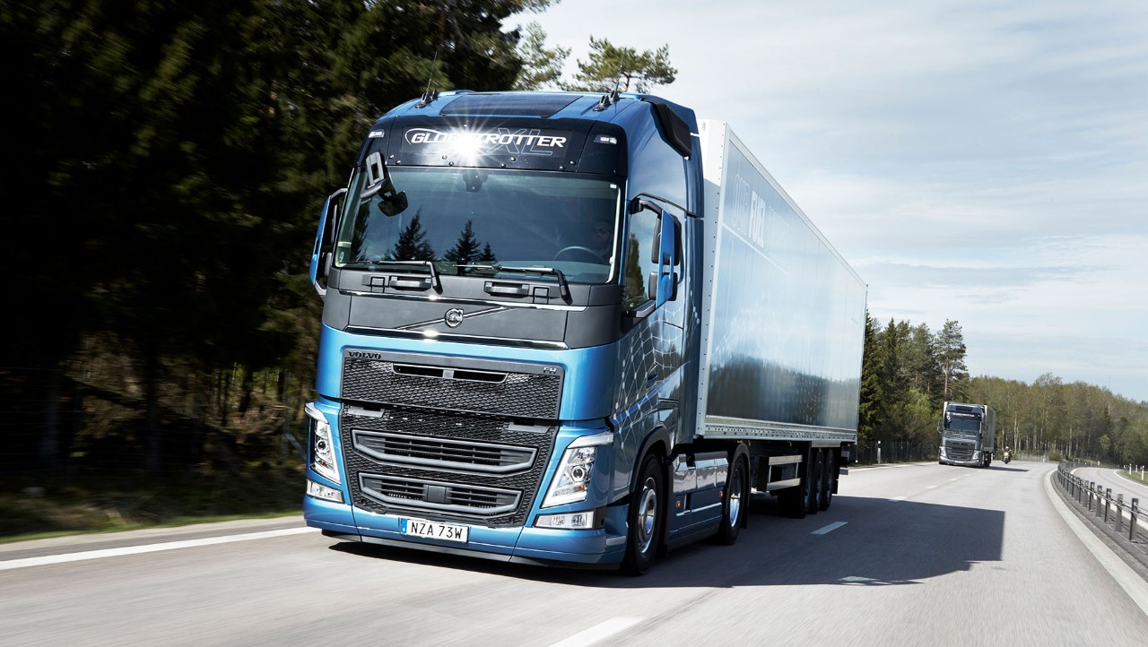 The Volvo FH with I-Save driving on the road