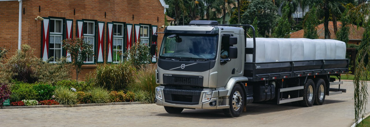 Volvo VM 6x4 rigid